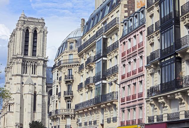 Airbnb : l'héritier des Tontons flingueurs triomphe d'un locataire indélicat