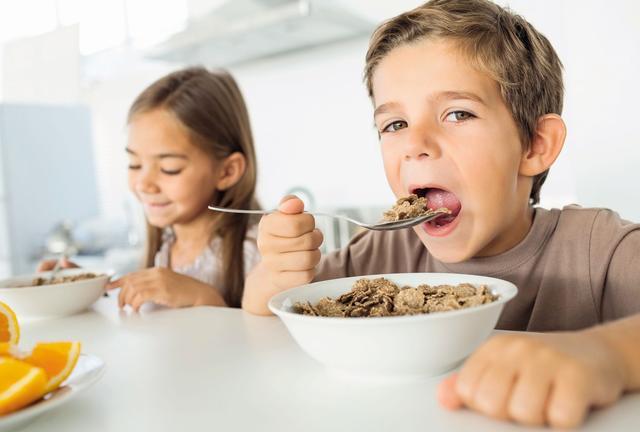 Des sucres lents : privilégiez céréales ou pains complets