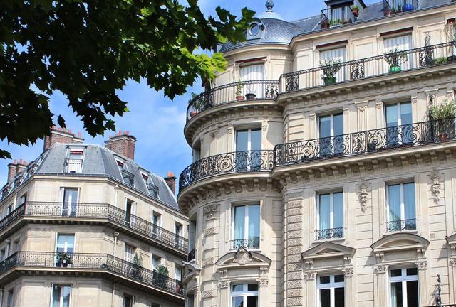 Paris : le prix de l'immobilier grimpe, le pouvoir d'achat stagne