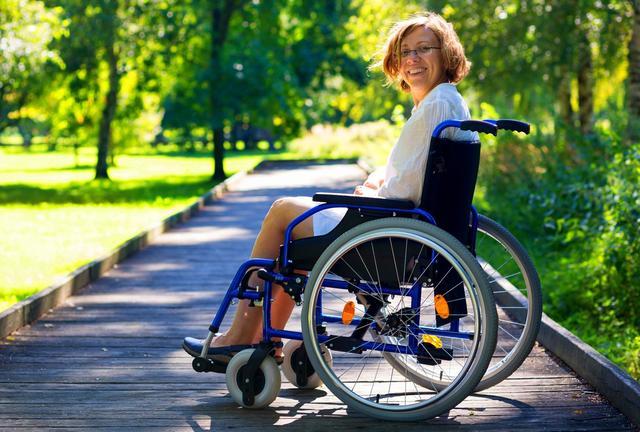 L'Allocation aux adultes handicapés passe à 860 ? par mois