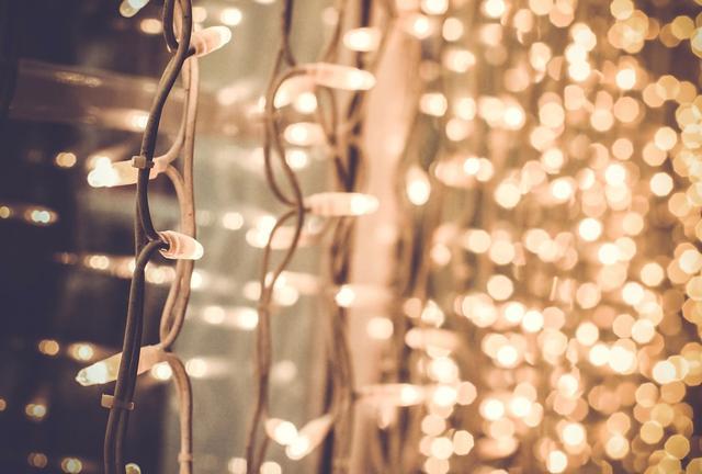 Les guirlandes de Noël, même avec des LED, sont dangereuses