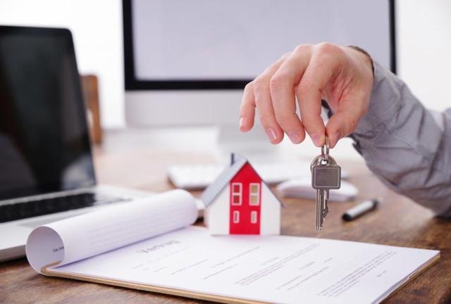 Vente d'un logement : appel à témoin sur l'efficacité des agents immobiliers