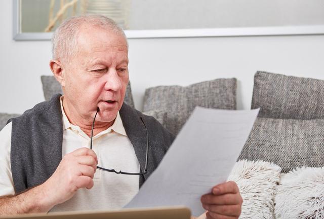 Nous voulons donner congé à un locataire âgé de 68 ans