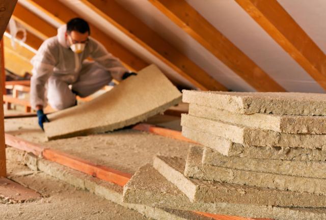Hausse des aides pour isoler son plancher ou ses combles