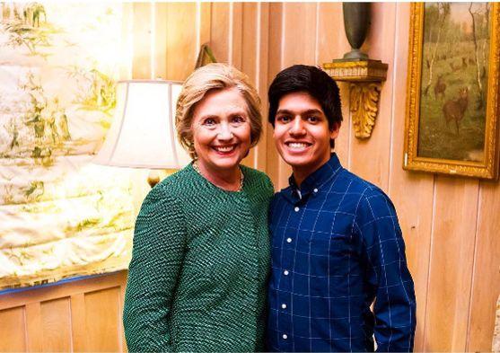 Ziad Ahmed avec Hillary Clinton.