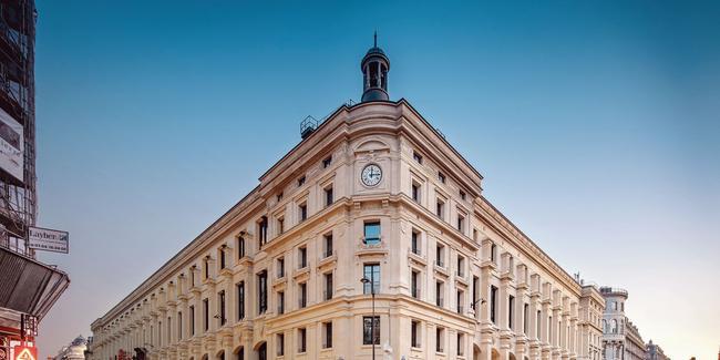 Aux deux derniers niveaux de la grande poste de la rue du Louvre ouvre, fin octobre, Madame Rêve, un hôtel qui offre quelques points de vue imprenables sur la capitale.