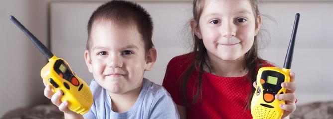 Comparatif : quel talkie-walkie pour enfant choisir ?