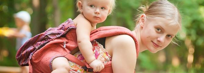 Comparatif porte-bébé dorsal : notre sélection de 4 modèles