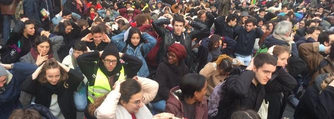 Lycéens et étudiants lancent le «mardi noir»