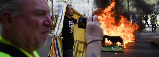 «Gilets jaunes» un 23e samedi marqué par des incidents à Paris
