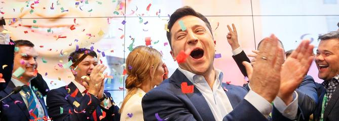Ukraine: la folle victoire de l'humoriste Volodymyr Zelensky