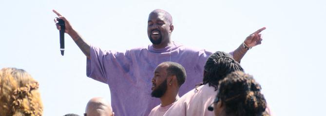 Hallelujah! Kanye West se prend pour Dieu et donne une messe à Coachella