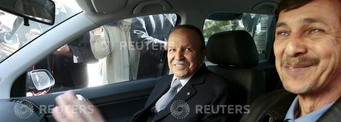 Algérie: le frère de Bouteflika et deux ex-patrons des services secrets incarcérés