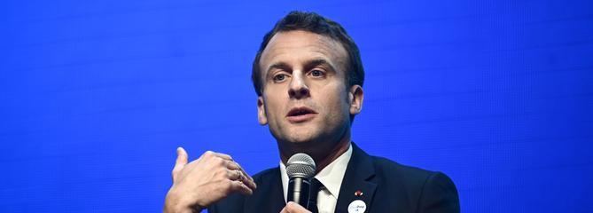 Européennes: l'opposition dénonce l'omniprésence de Macron dans la campagne
