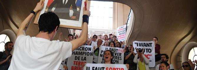 Décrochage de portraits de Macron: des procès dans toute la France