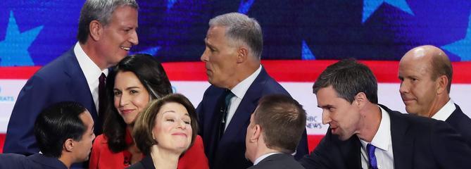 USA: le premier débat démocrate ne fait pas encore bouger les lignes