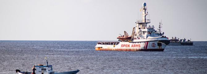 Open Arms : la justice ordonne de débarquer les migrants rescapés à Lampedusa