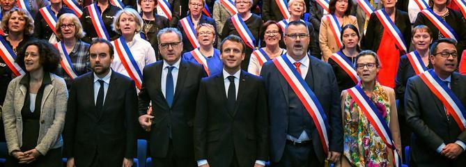 Emmanuel Macron part à la conquête des territoires ruraux