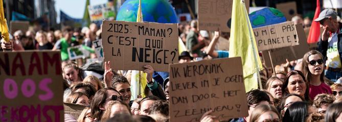 Climat: des centaines de milliers de jeunes dans le monde font grève