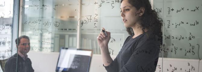 Prédire l'évolution de la maladie d'Alzheimer : quand l'intelligence artificielle ouvre la voie à une médecine personnalisée