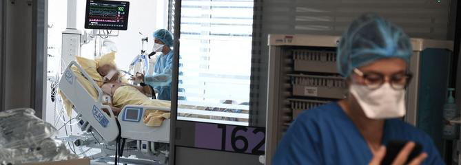 Covid-19: faut-il s'inquiéter de la hausse des hospitalisations en France?