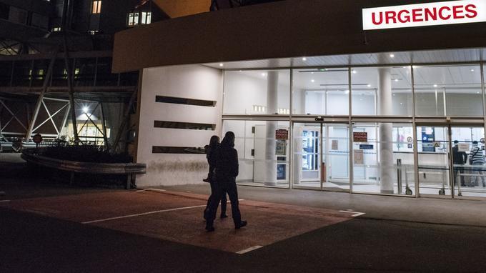 L'entrée du service d'urgences du Centre Hospitalier Victor Jousselin de Dreux.