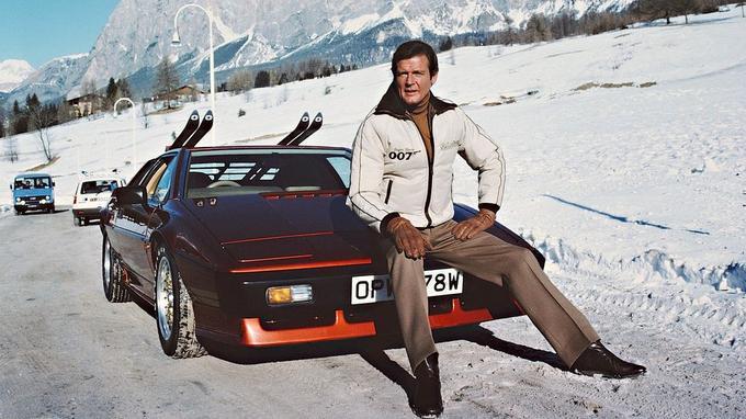 En 1981, James Bond retrouve une Lotus Esprit plus puissante avec ce modèle S3 turbo de 245 ch, dans  <i>Rien que pour vos yeux</i>.