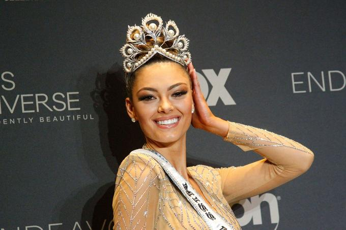 Demi-Leigh Nel-Peters est Miss Univers 2017.