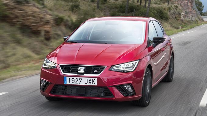 Avec ses feux avant à LED triangulaires, la nouvelle Ibiza ne peut renier son appartenance au groupe Volkswagen.
