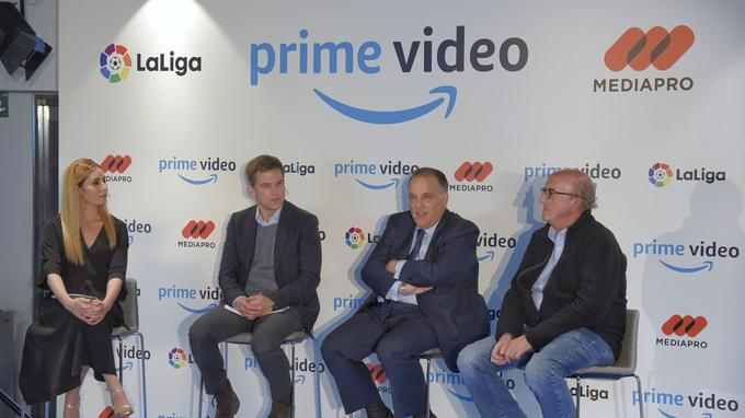 Annonce du lancement de la série à Madrid: Georgia Brown, directrice des contenus originaux Europe d'Amazon Prime Video, Christoph Schneider, directeur des acquisitions Europe d'Amazon Prime Video, Javier Tebas, président de LaLiga, Jaume Roures, associé chez Mediapro © Amazon Prime Video