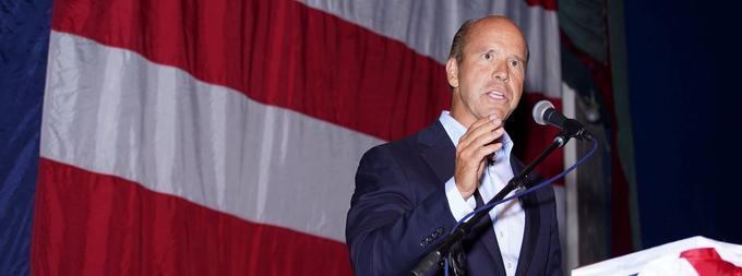 John Delaney, ancien élu du Maryland à la Chambre des représentants, s'est porté candidat six mois seulement après l'investiture de Donald Trump, soit dès juillet 2017.