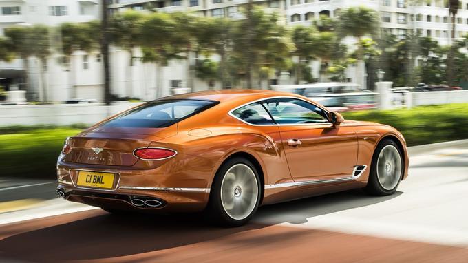 Sous le capot, on retrouve un V8 biturbo de 4 litres développant 550 chevaux et 770 Nm de couple.