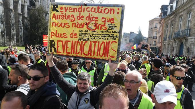 Les «gilets jaunes» se sont rassemblés en fin de matinée à Rouen.