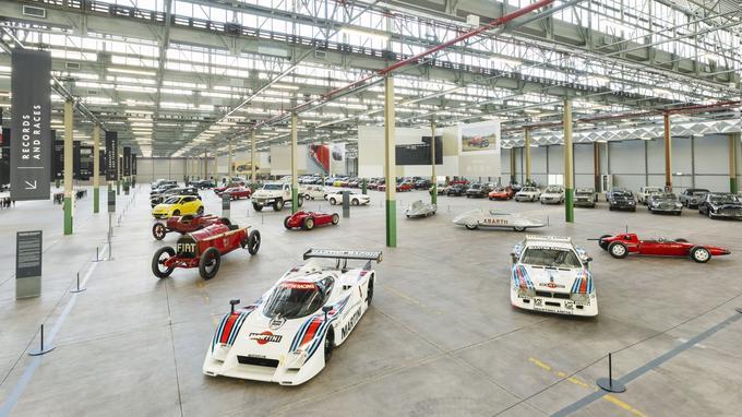 Les 15 000 m2 du Heritage HUB servent aussi pour une exposition de plus de 250 véhicules, dont certains n'ont jamais été exposés auparavant.