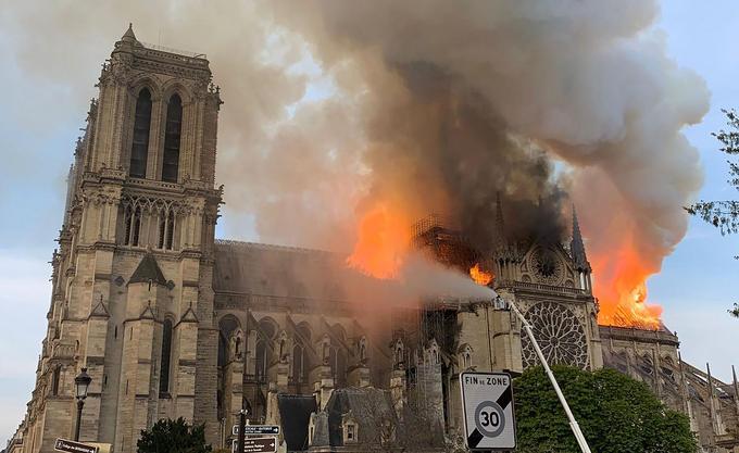 La vue aérienne inédite de la cathédrale après l'incendie