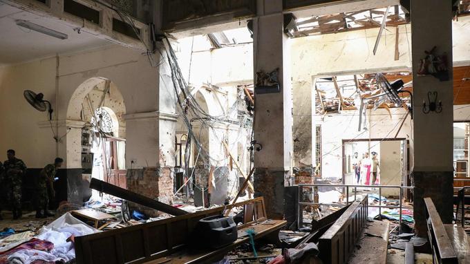 Dans l'église Saint-Anthony où des dizaines de personnes ont été tuées.
