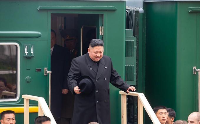 Kim Jong-un à son arrivée dans la ville russe de Khassan.