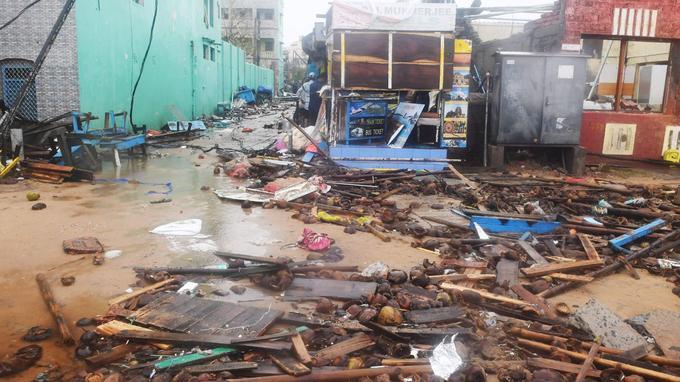 Après le passage de l'ouragan Fani, les dégâts sont importants dans l'est de l'Inde.
