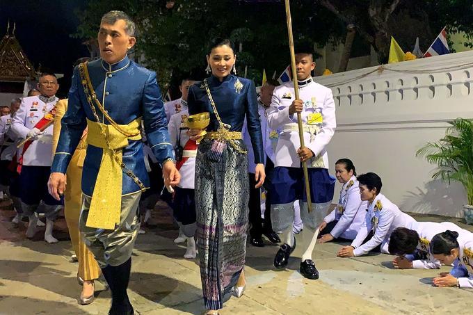 Le roi Maha Vajiralongkorn et la reine Suthida, à Bangkok le 4 mai.