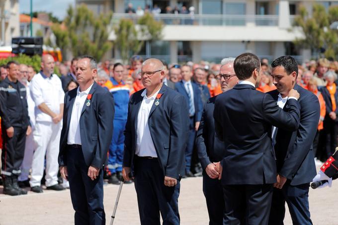 Le président de la République décore les quatre survivants du dramatique évènement survenu le 7 juin dernier: Christophe Monnereau, Jérôme Monnereau, David Bossard et Emmanuel Hubé.