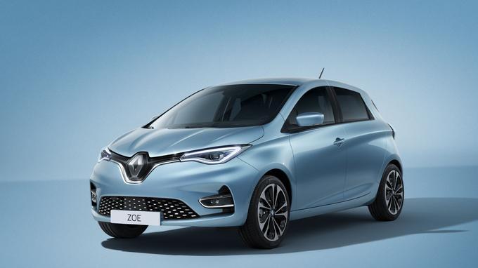 La Renault Zoé gagne en standing avec ses lignes plus tendues et sa nouvelle signature lumineuse.