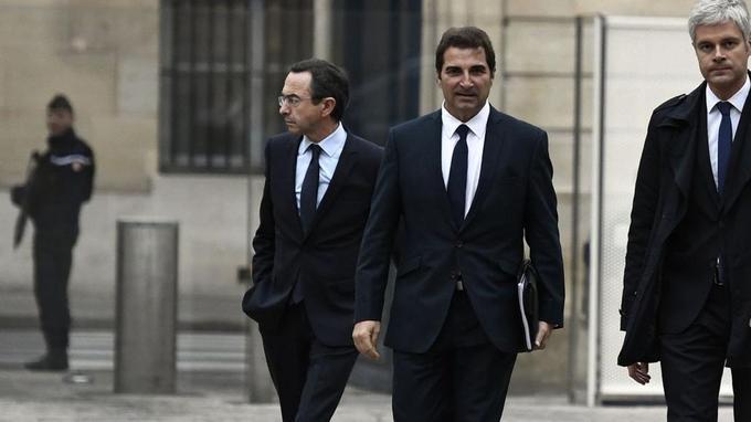 Christian Jacob (au centre) est candidat à la présidence des Républicains qu'a laissée vacante Laurent Wauquiez (à droite), démissionnaire après la débâcle des européennes.