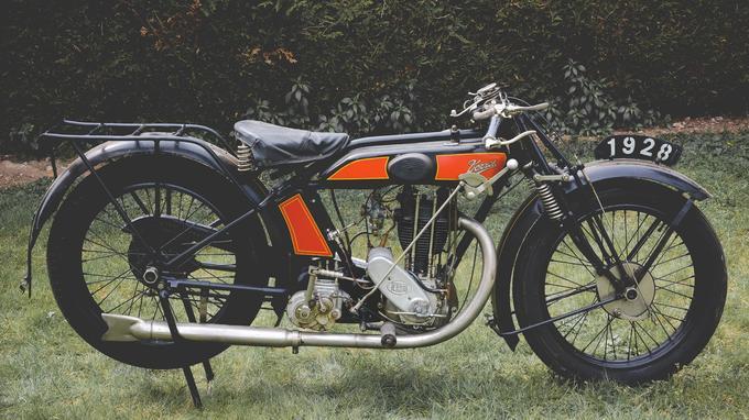 Une Terrot 350 HSS de 1928, estimée entre 8 000 et 9 500 €.