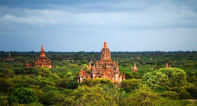 Le site comprend plus de 2500 monuments, temples, monastères et autres sanctuaires bouddhiques.
