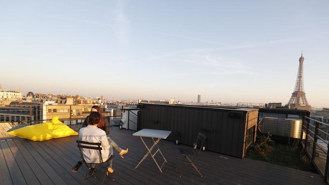 La terrasse de Comet Meetings avec une vue 360° sur Paris et la Tour Eiffel.