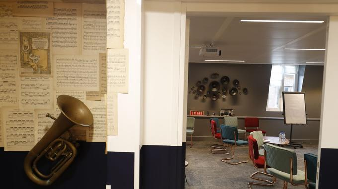 Une des salles de séminaires de Comet Meetings dédiée à la thématique de la musique.