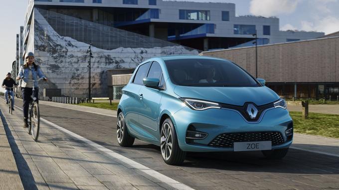 Si votre revenu fiscal n'excède pas 13 489 euros, les véhicules 100 % électriques neufs ou d'occasion (émettant moins de 20 g de CO2) pourront profiter d'une prime allant jusqu'à 5 000 euros.