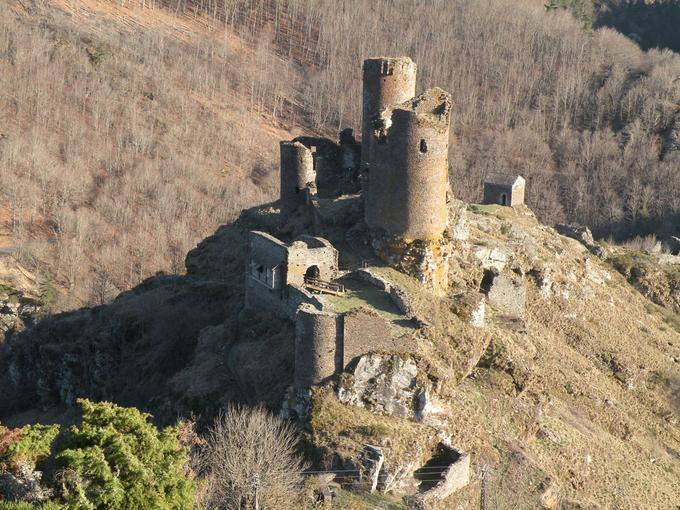 Vue en hauteur du château du Tournel.