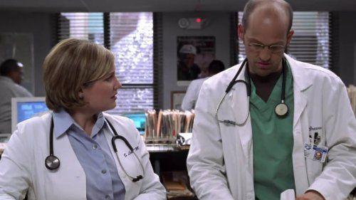 Sherry Stringfield et Anthony Edwards dans Urgences.