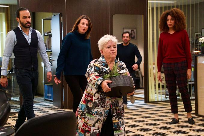Premières photos du tournage de la saison 4 de  <i>Dix pour cent</i>. Ici avec <i/> Mimie Mathy qui promet une apparition  <i>«hilarante»</i> dans la série de France 2.